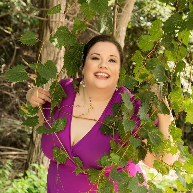 Dr Ylona Hartford holistic diva