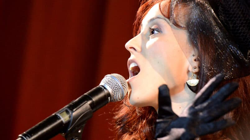 how to expand your vocal range and sing higher notes